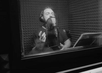 David Durán grabando en estudio